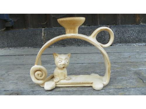 Svícen kočka v oblouku