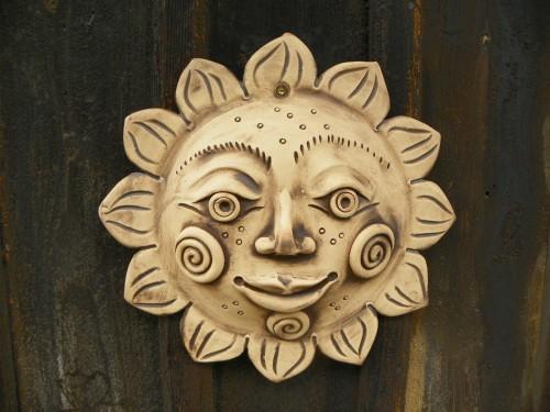 Slunce na zeď