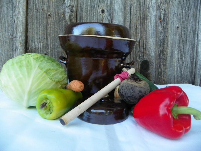 Hrnec na kvašenou zeleninu pickles  2 litry 2 víka těžítko