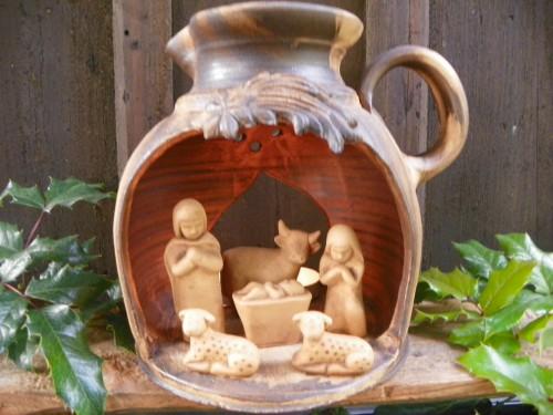 Svítící betlém ve džbánu.